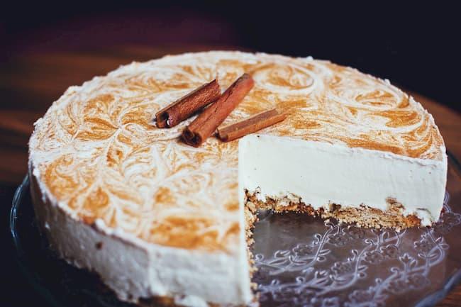 муссовый торт с корицей